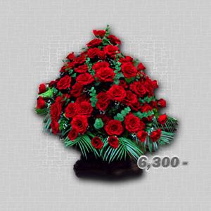траурные корзины из искусственных цветов